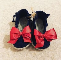 two red and black bow accent headband