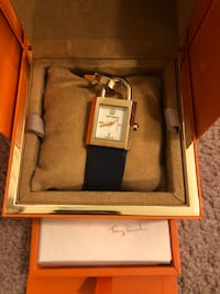 Tory Burch watch box and tags included. Minimal signs of wear Jacksonville, 32222