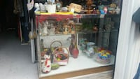 Lighted glass display case Madisonville, 37354