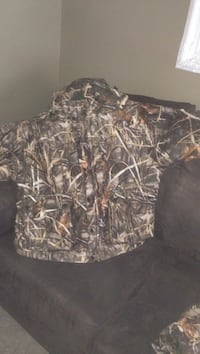 brown and black real tree camouflage jacket Winnipeg, R2X 0R2