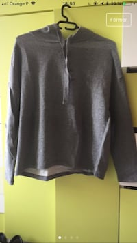 Sweat pull and bear gris Paris, 75008