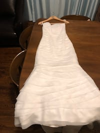 Brand new strapless wedding dress