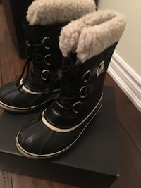 Sorel size 4 youth size 5 womens Toronto, M3M 0B3