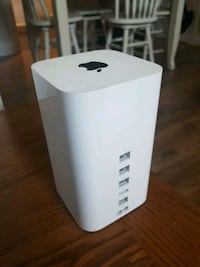 Apple airport extreme model #A15121 Windsor, N9A 3Z2