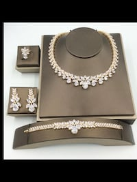 Crystal necklace sets ,scroll down to view more Brampton, L6Z 0B4