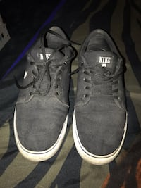 Men's Black Canvas Nike's size 9.5  Porterville, 93257
