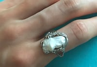 Silver and pearl ring: size 7 Toronto, M9A 4W3