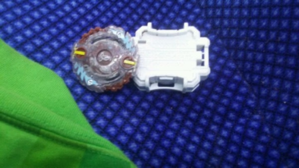 Beyblade burst toy  3