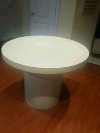 Pedestal table Toronto, M1P 1B8
