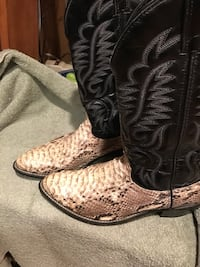 Men's Cowboy Boots - size 10EE - New Low Price -This week only