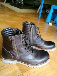 pair of brown leather boots mens  Toronto, M2R 1J5