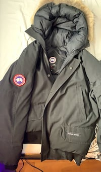 Canada Goose Bomber Jacket (black) (real) London, N6G 1M2