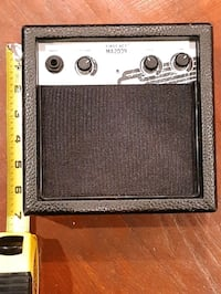 First Act ma2039 portable guitar amplifier