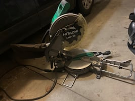 Hitachi Miter Saw great condition. Will pay you back in the first job.