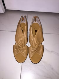 Women's Browns wedge shoes Whitchurch-Stouffville, L4A 7Z3