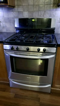 Excellent condition Kenmore Elite Gas Oven/w range Langley, V2Y