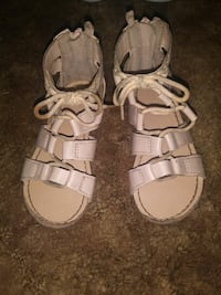 beige leather sandals size 7