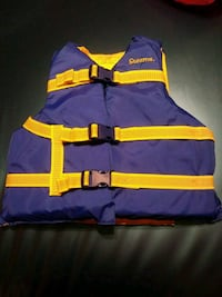 NEW/ NEVER USED CHILD SAFETY VEST Saint Ann, 63074