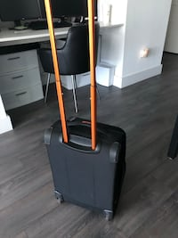 Desley Carry On Luggage Chicago, 60622