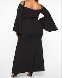 Fascination off the shoulders dress black- fit like a 1X mark 2X  Whitby, L1R 3G8