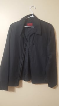 black zip-up jacket Brampton, L6V 3W7