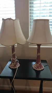 Pink and white table lamps Arlington, 22201