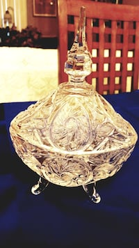 Antique Pinwheel Crystal 3 footed Candy Dish w/lid Barrie, L4N 6C3