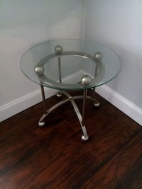 glass table  Oxon Hill, 20745