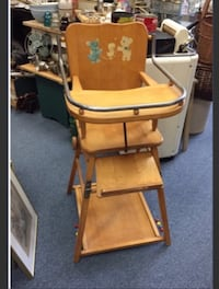 VINTAGE WOODEN HIGH CHAIR CONVERTS TO TABLE Mississauga, L4X 1S2