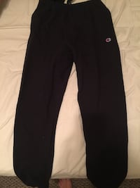 Champion reverse weave sweatpants size medium  North Vancouver, V7L 1C4