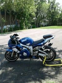 2000 Yamaha yzf  r6   new tires  tuned up  ready  Smithville, L0R 2A0
