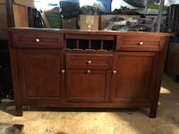 Wood and glass china cabinet and hutch in amazing condition! Rockville, 20850