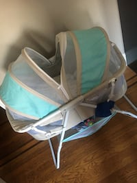 baby's white and blue bassinet Baltimore, 21213