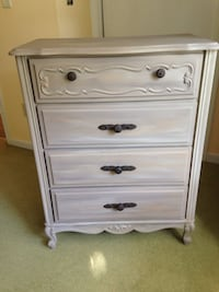 Beautiful chalk painted dresser Midlothian, 23113