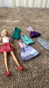 Barbie with 6 Outfits Fresno, 93727