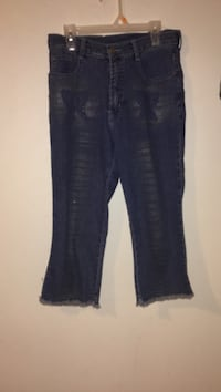 Women's blue denim jeans Ottawa, K2B 7T5