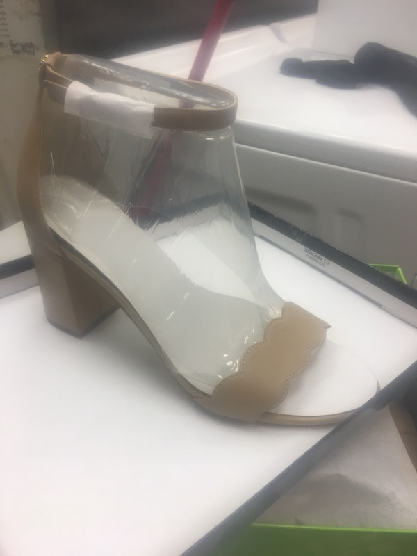 Sam Edelman high heels. Size 8. Never worn, orig price 125$