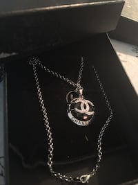 silver chanel pendant chain necklace in box Annandale, 22003