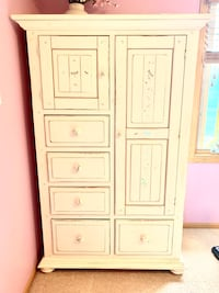 white Wardrobe/ large cabinet Lincoln, 68516