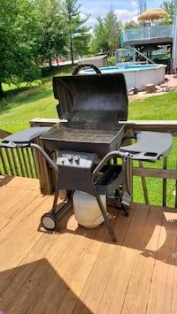 2 Burner Gas Grill ready to use Hampstead, 21074