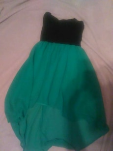 Black and green dress. Size: Large