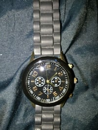 round black chronograph watch with link bracelet Cambridge, N1R 7Z1