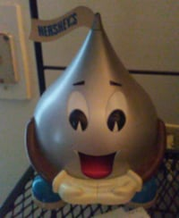 Hershey Kiss Dispenser  730 mi