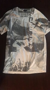 Only & Sons T-Shirt - Never worn size L Vancouver, V6G 3H4