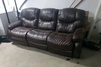 Lazyboy Recliner sofa leather Chicago, 60614
