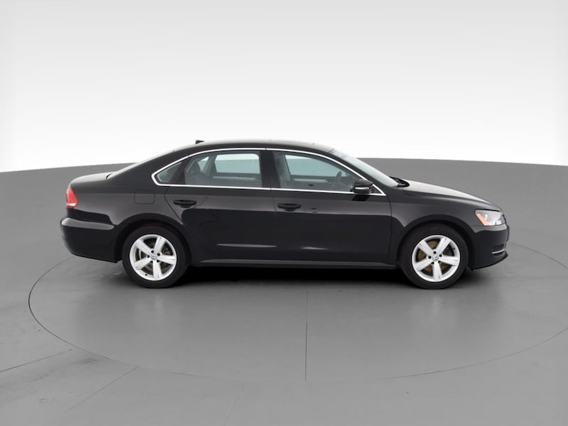 2013 VW Volkswagen Passat sedan TDI SE Sedan 4D Black  12