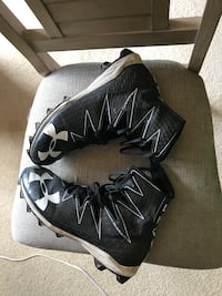 pair of black-and-white Nike basketball shoes Largo, 33764