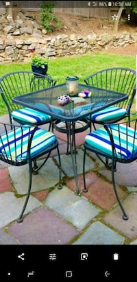 vintage patio set, 4 chairs,  table and cushions Yonkers, 10703