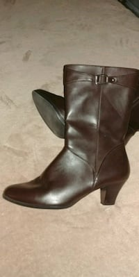 Chocolate brown boots, see all my items Hemet, 92545