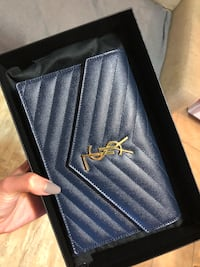 YSL wallet on chain Surrey, V3T 5S8